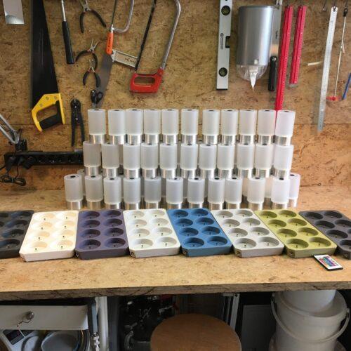 65 lampjes en 8 trays